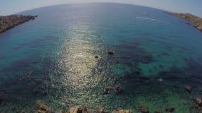 Paisagem pitoresca do mar Oceano Fundo do mar fascinante Água do mar de turquesa horizonte filme