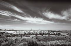 Paisagem preto e branco de Costa Esuri, urbanisation de Ayamonte Imagem de Stock