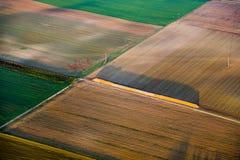 Paisagem rural com acre do balão de ar quente Fotos de Stock Royalty Free