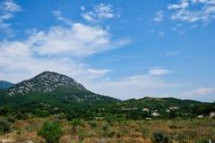 Paisagem rural com montanhas, Albânia Imagem de Stock Royalty Free