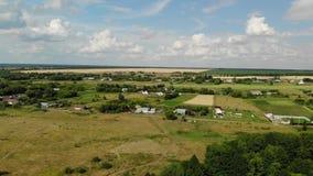 Paisagem rural do outono da altura em Rússia, movendo-se lateralmente video estoque