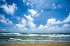 Paisagem Sea Oceano E marinho céu nuvem cloudy Sun Fundos: luz do sol outdoor Skyscape Seascape imagem de stock