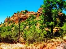 Paisagem selvagem de Sedona com rochas vermelhas Fotos de Stock Royalty Free