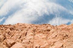 Paisagem sul de Sinai com rocha e céu imagem de stock royalty free