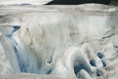 Paisagem surreal e moulin na geleira de Mendenhall, Juneau, Alas Fotografia de Stock Royalty Free