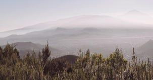Paisagem Tenerife com Volcano Teide no fundo filme
