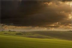 Paisagem tormentoso bonita sobre o contryside Fotos de Stock Royalty Free