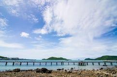 Paisagem verde da natureza da ilha e do mar Fotos de Stock