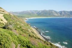 Paisagem verde e mar - Sardinia, Itália Fotografia de Stock Royalty Free