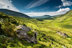Paisagem verde nos montes do Kerry Fotos de Stock Royalty Free