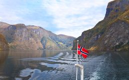 Paisagens cênicos dos fiordes noruegueses Foto de Stock Royalty Free
