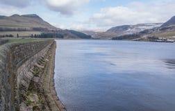 Paisagens do inverno do parque nacional de Dovestone e dos reservatórios, distrito máximo, Inglaterra foto de stock