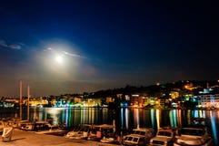 Paisaje épico de la noche de la Luna Llena Imagen de archivo