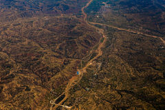 Paisaje aéreo de la agricultura con el río y las granjas sobre China Fotografía de archivo libre de regalías