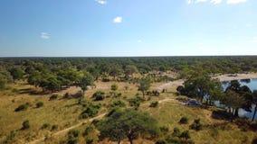 Paisaje africano aéreo del río en Nambwa Namibia almacen de metraje de vídeo