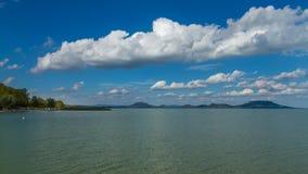 Paisaje agradable de Hungría, el lago Balatón imagen de archivo