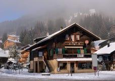 Paisaje alpestre del invierno fotografía de archivo libre de regalías