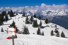 Paisaje alpestre del invierno Imagen de archivo