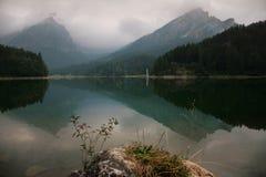 Paisaje alpestre del otoño imagen de archivo libre de regalías