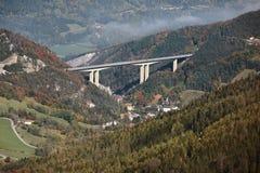 Paisaje alpestre en Austria fotos de archivo