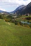 Paisaje alpestre en Switzeland fotos de archivo