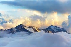 Paisaje alpino de la montaña Foto de archivo libre de regalías