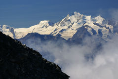 Paisaje alpino de la montaña de las montañas en Jungfraujoch, top de interruptor de Europa Fotografía de archivo
