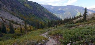 Paisaje alpino hermoso en Rocky Mountains, Colorado donde se localizan muchos 13ers y 14ers Imágenes de archivo libres de regalías