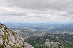 Paisaje antes de una lluvia del verano, Montenegro de la montaña Fotos de archivo