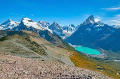 Paisaje asombroso con las montañas de Fitz Roy y de Cerro Torre imagen de archivo libre de regalías
