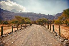 Paisaje asombroso de la montaña en la península de Musandam, Omán Foto de archivo libre de regalías
