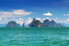 Paisaje asombroso del parque nacional en la bahía de Phang Nga Fotografía de archivo libre de regalías