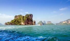 Paisaje asombroso del parque nacional en la bahía de Phang Nga Imagen de archivo libre de regalías