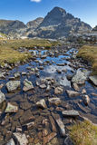 Paisaje asombroso del pico de los lagos Elenski, montaña de Orlovets de Rila Imagenes de archivo