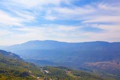 Paisaje azul de la montaña Imágenes de archivo libres de regalías