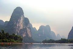Paisaje chino en el río foto de archivo