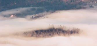 Paisaje colorido en las montañas, viaje de Europa, mundo de la belleza foto de archivo