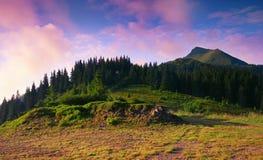Paisaje colorido en las montañas, viaje de Europa, mundo de la belleza imágenes de archivo libres de regalías