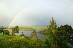 Paisaje con el arco iris Imagen de archivo libre de regalías