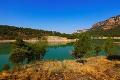 Paisaje con el lago de las montañas imágenes de archivo libres de regalías