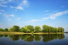 Paisaje con el río Foto de archivo libre de regalías