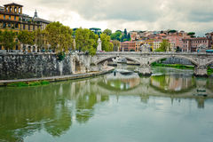 Paisaje con el río Tiber Imagen de archivo libre de regalías