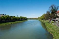 Paisaje con el río y los árboles imágenes de archivo libres de regalías