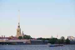 Paisaje con la imagen de Neva River Imagen de archivo