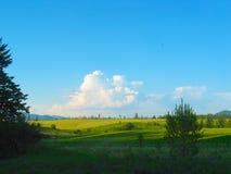 Paisaje con las nubes Fotografía de archivo libre de regalías