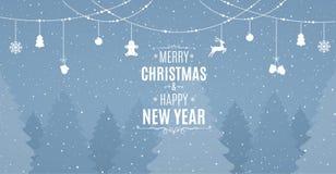 Paisaje con los pinos nevosos, los abetos, el bosque conífero, la nieve que cae y decoraciones colgantes de la Navidad stock de ilustración