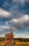 Paisaje con un molino de viento Fotografía de archivo libre de regalías