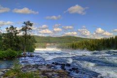 Paisaje con un río de la montaña Foto de archivo libre de regalías
