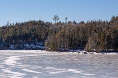 Paisaje congelado del lago, Nova Scotia Imagen de archivo
