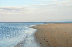 Paisaje costero de la playa de la grúa Fotos de archivo libres de regalías